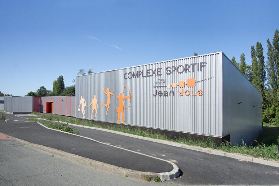 <span>Sports Loisirs</span>SALLE DE SPORT<p>LES HERBIERS</p>