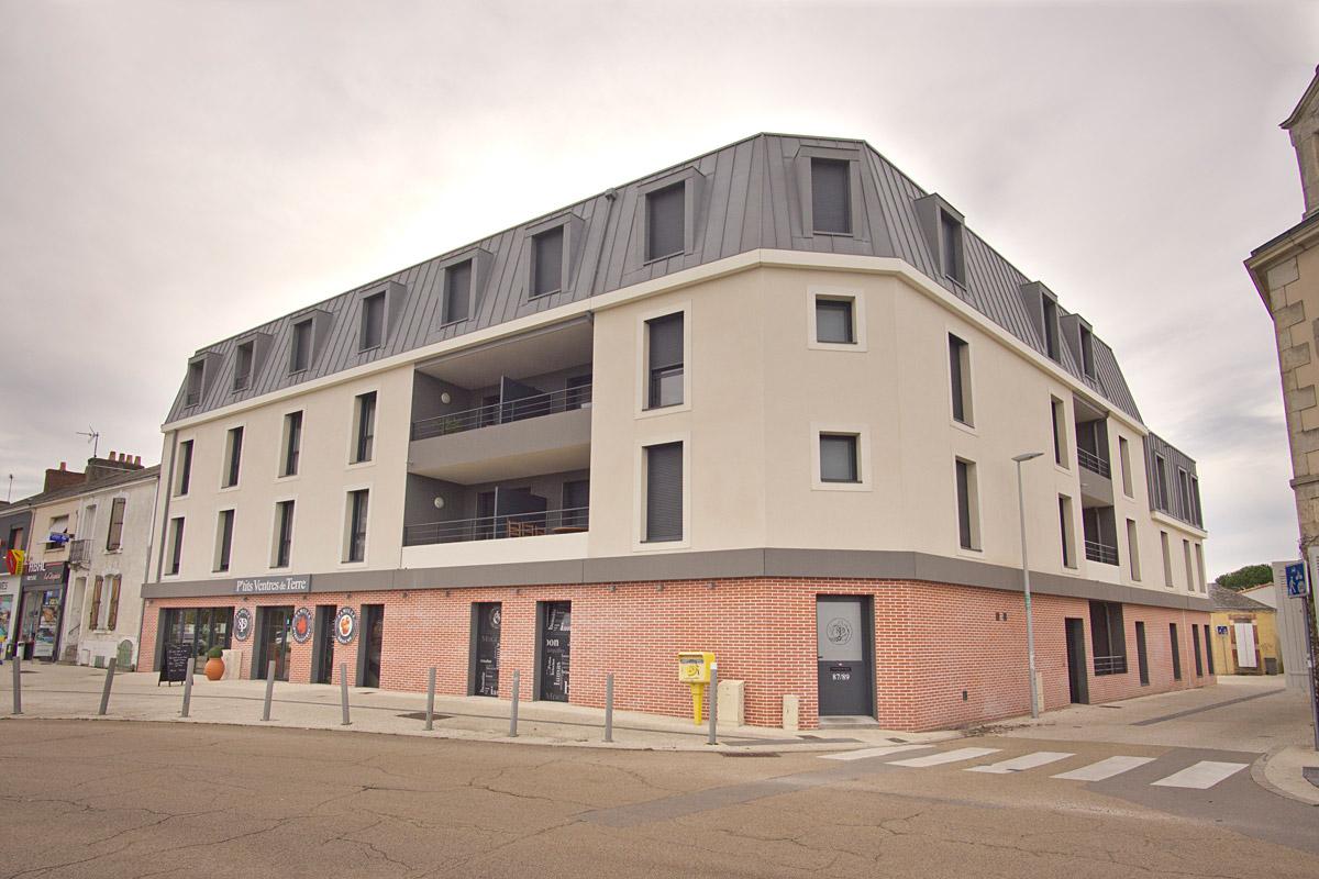 Logement et commerce de la Roche sur Yon une création de DGA Architectes