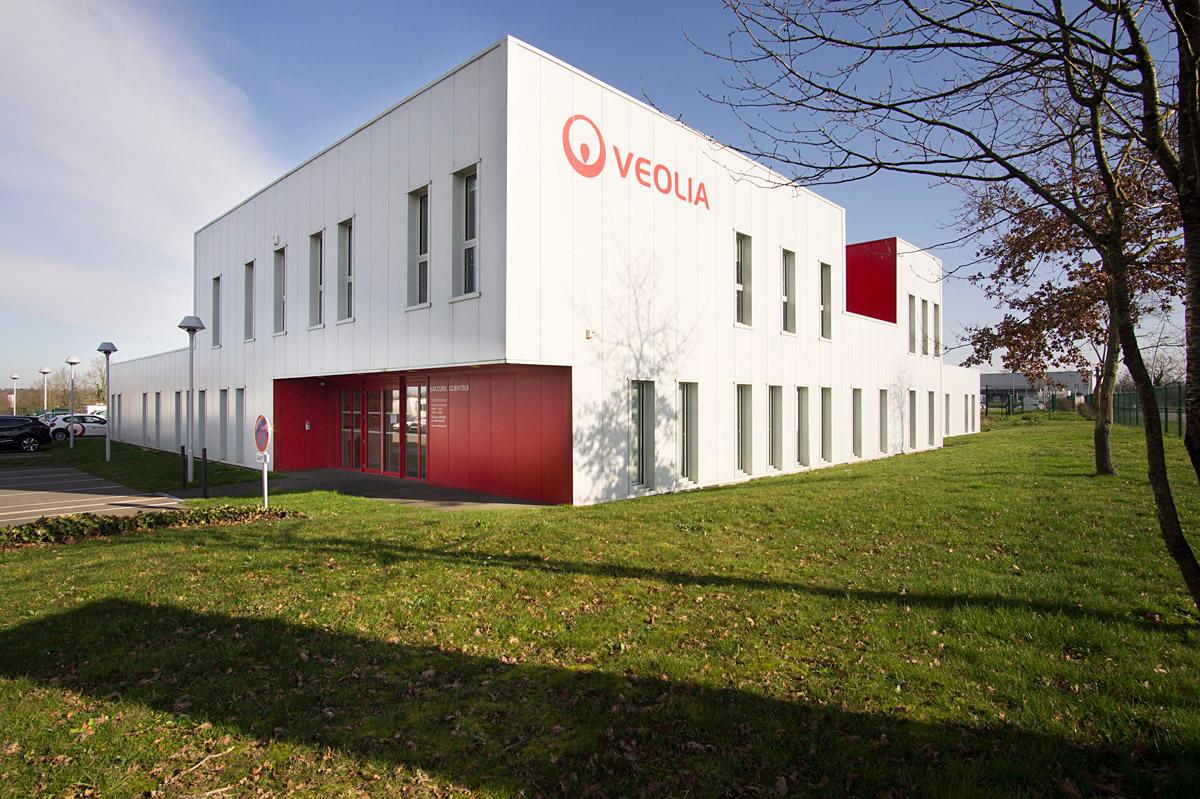 Entreprise Veolia La Roche sur Yon réalisée par l'agence DGA Architectes