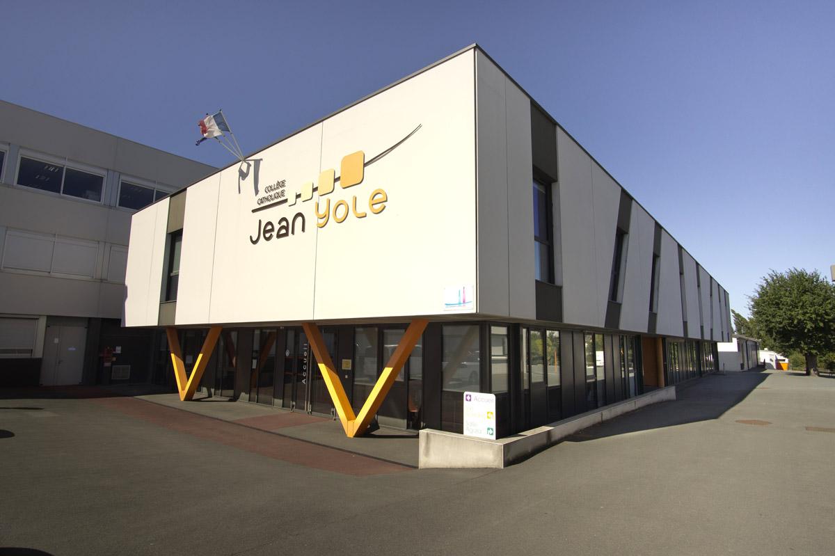 Création d'un cœur d'établissement pour le collège Jean Yole par DGA Architectes