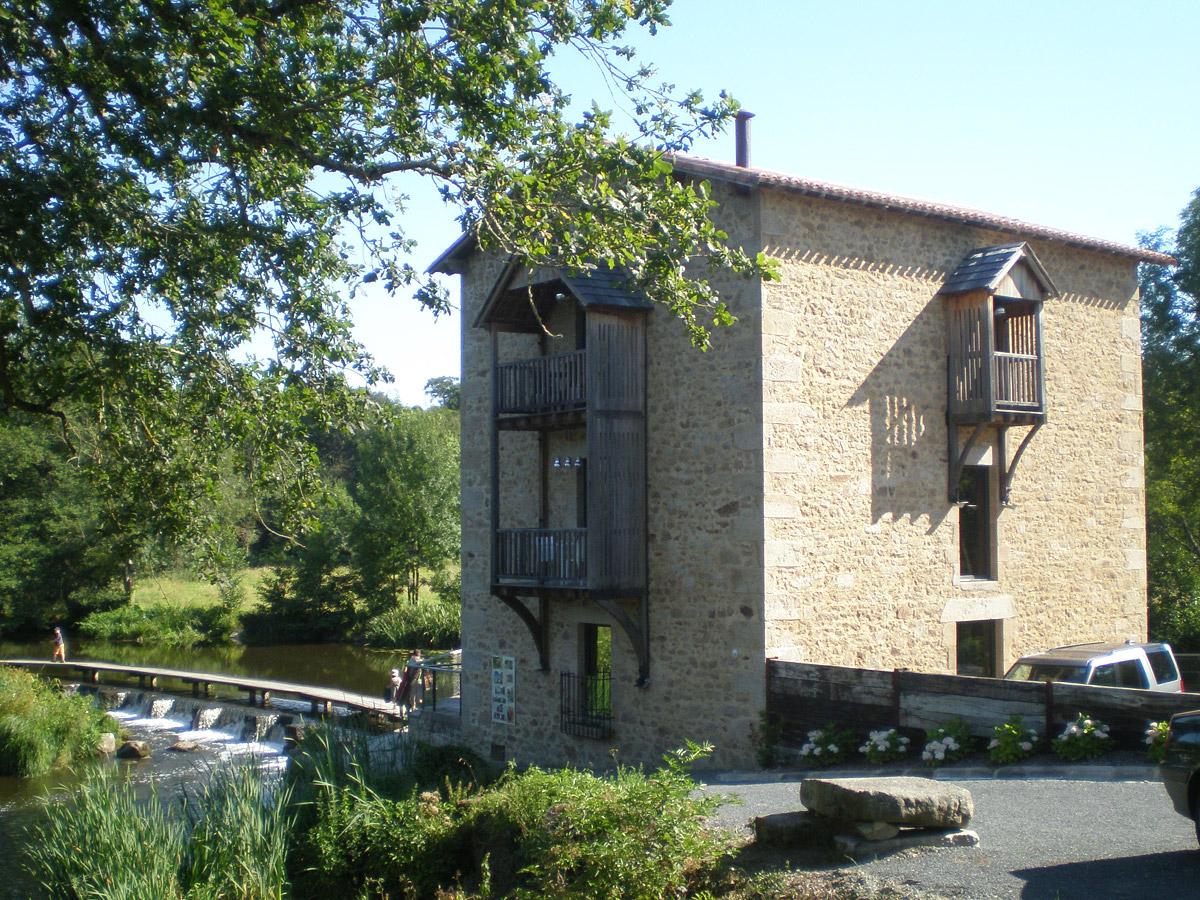 Rénovation du moulin de Tiffauges par l'agence d'architectures DGA les Herbiers