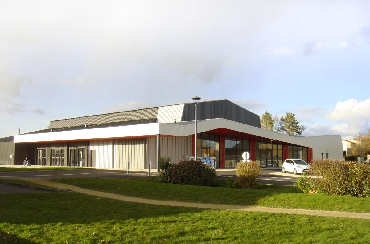 Restructuration salle polyvalente et salle de sport par DGA Architectes les Herbiers