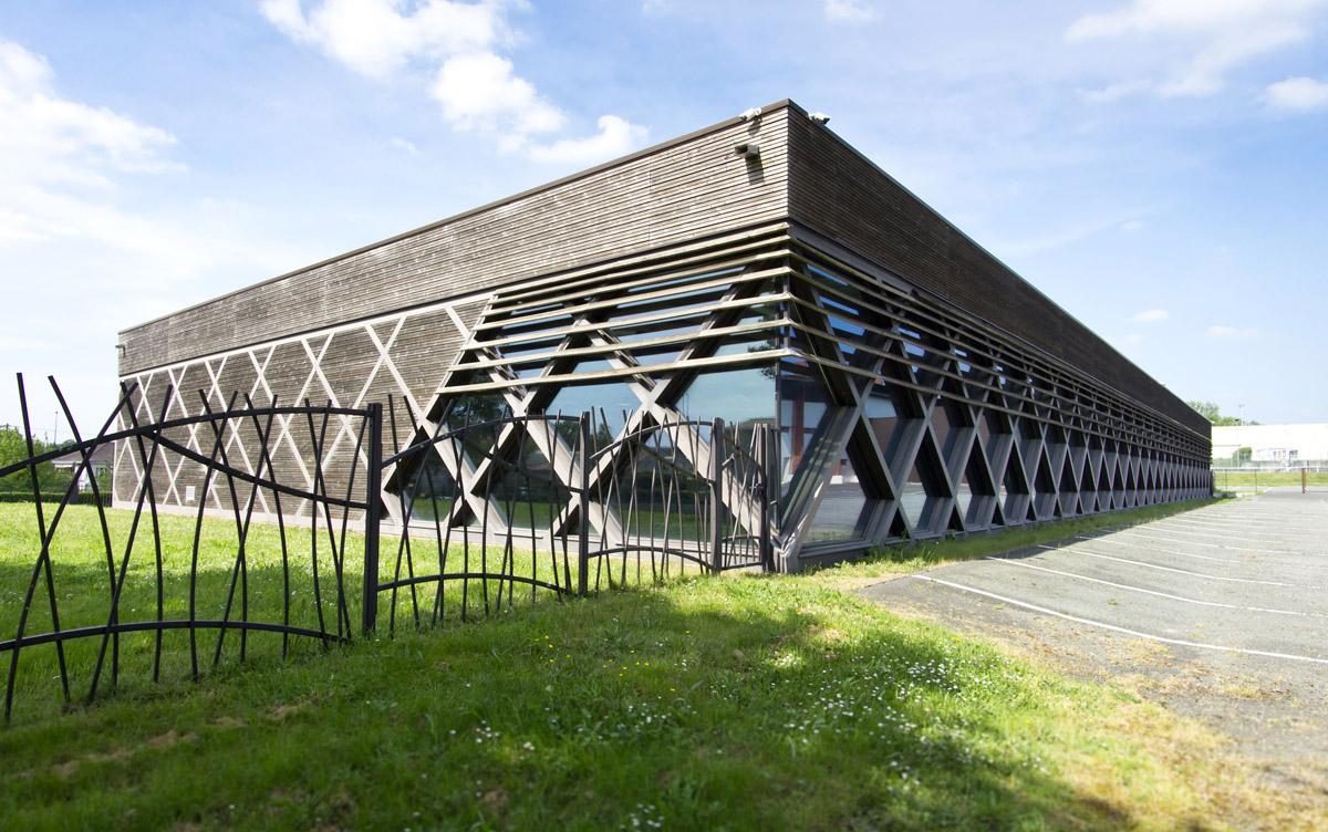 Construction d'un dojo aux Herbiers par DGA Architectes