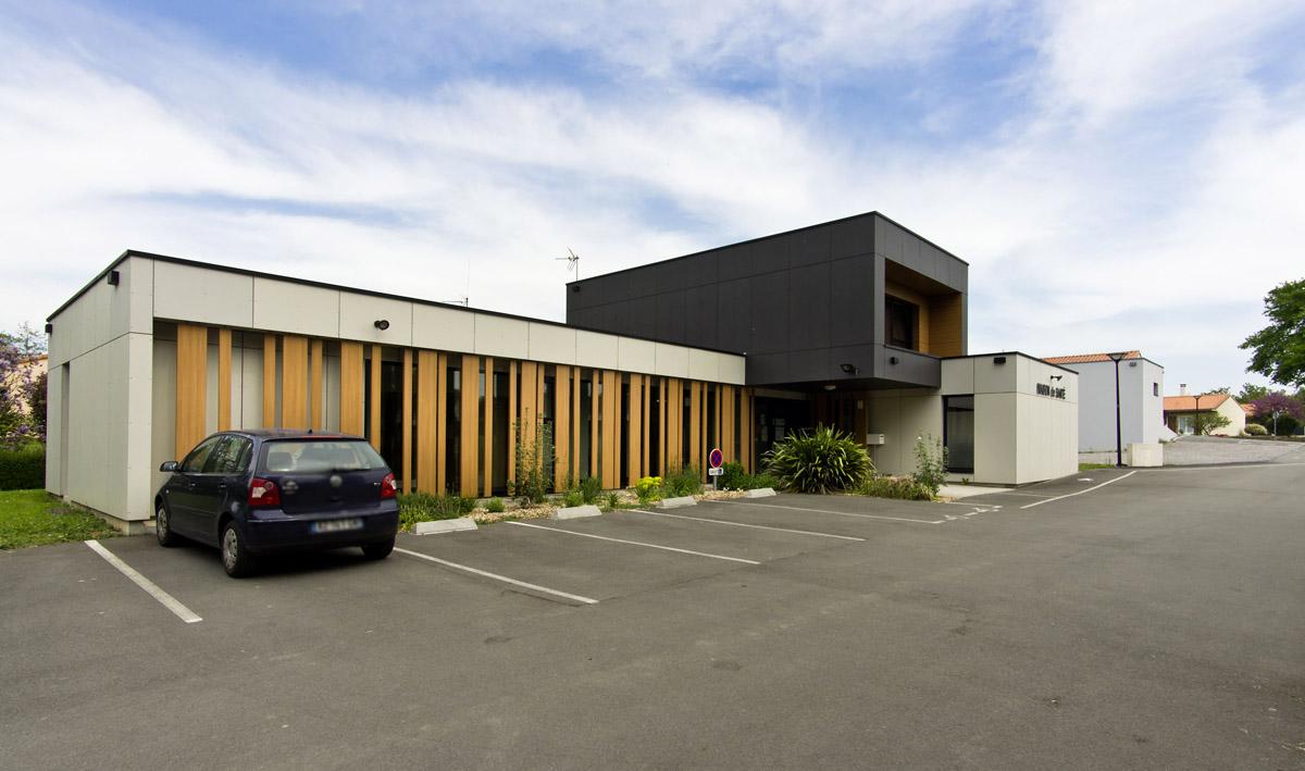 Façade maison de santé de Beaurepaire - DGA Architectes