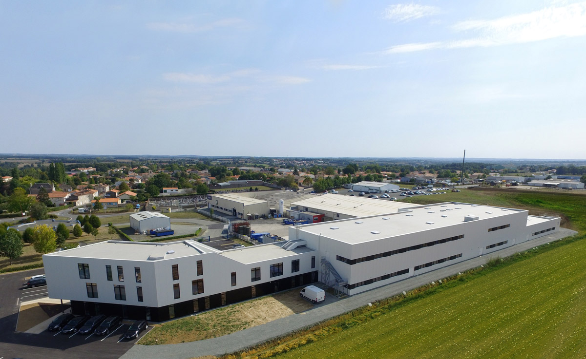 Extension atelier et bureaux Sadev Cholet - DGA Architectes