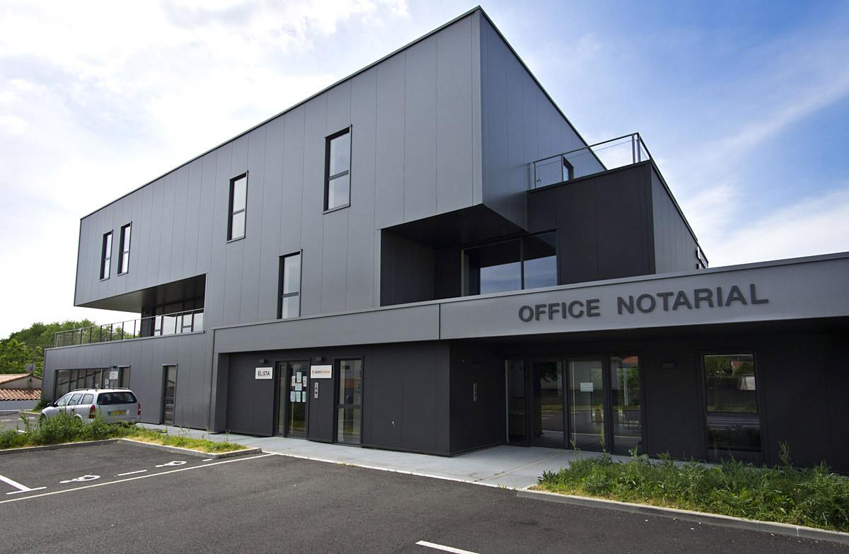 Arrière du bâtiment de co-working aux Herbiers - DGA Architectes