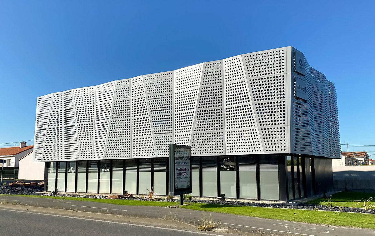 Agence DGA Architecte pour la construction de bureaux aux Herbiers
