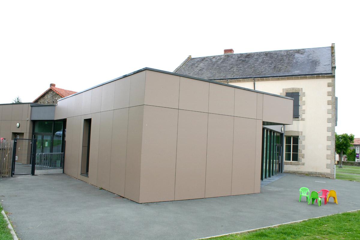 Architecture extérieur salle polyvalente pôle jeunesse - DGA Architectes
