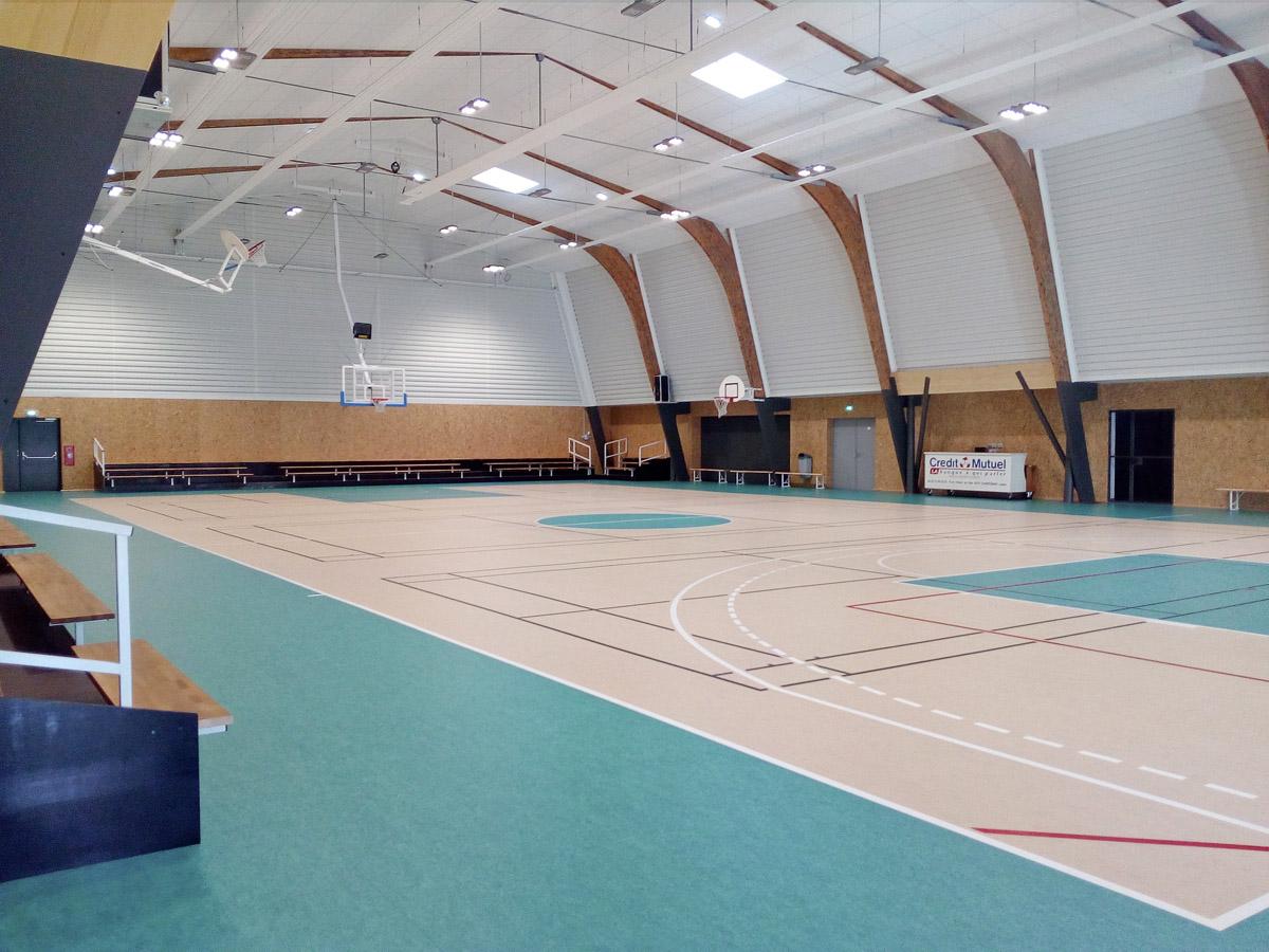 Intérieur salle de sport de St Gerain de Prinçay - DGA Architectes