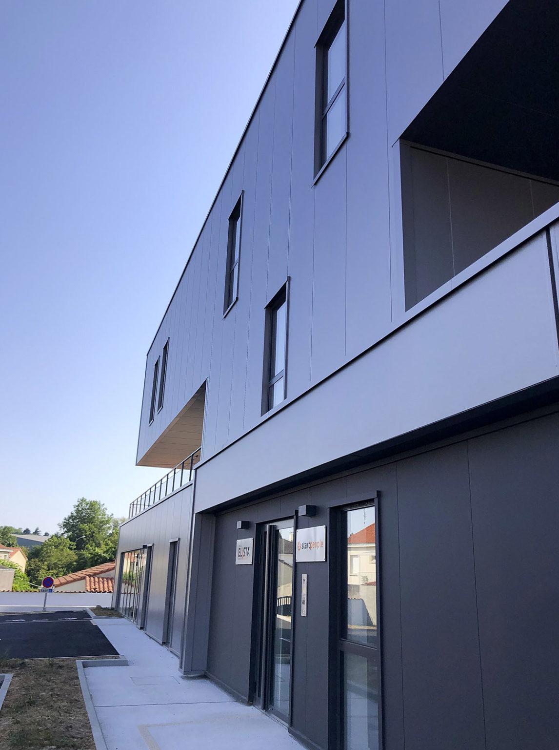 Façade bureaux co-working par DGA Architectes