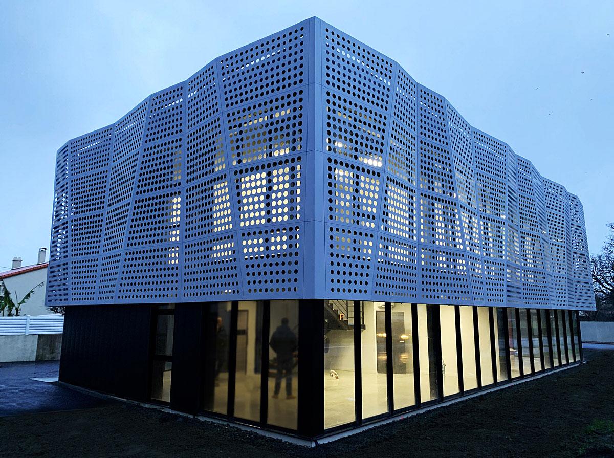 Conception d'un bâtiment de bureaux par l'agence d'architectes DGA les herbiers