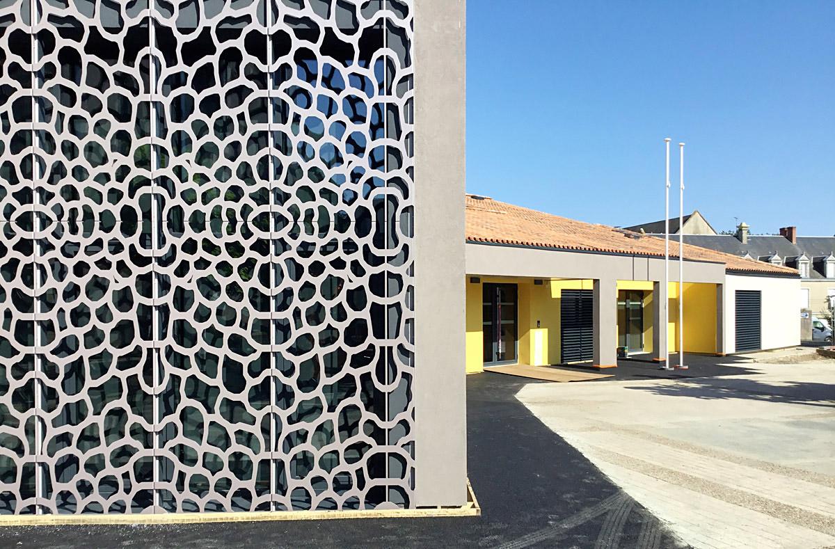 Architecture réalisée par l'agence DGA pour la mairie de Chavagnes en paillers