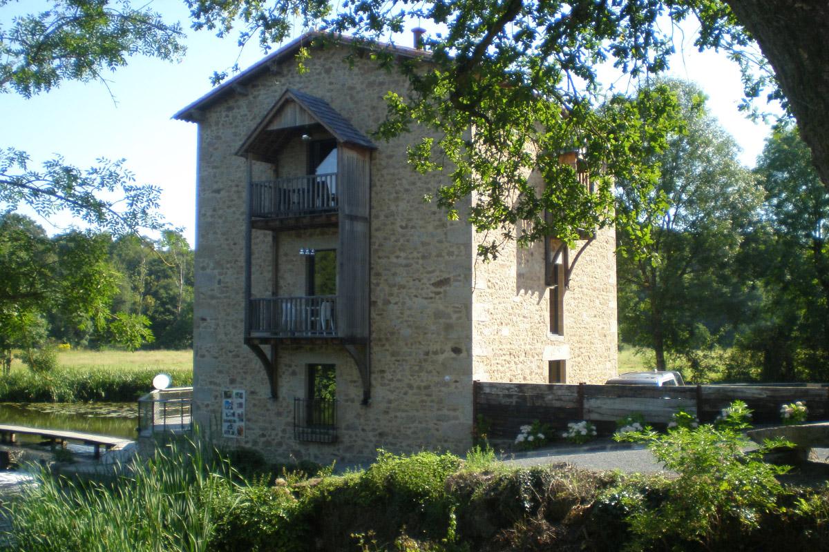 Moulin de Tiffauges rénové par DGA Architectes
