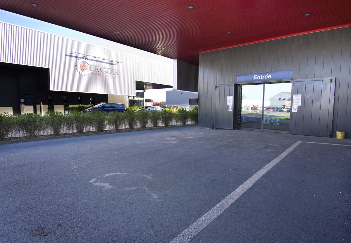 Construction de 4 bâtiments de négoce par DGA Architectes les Herbiers
