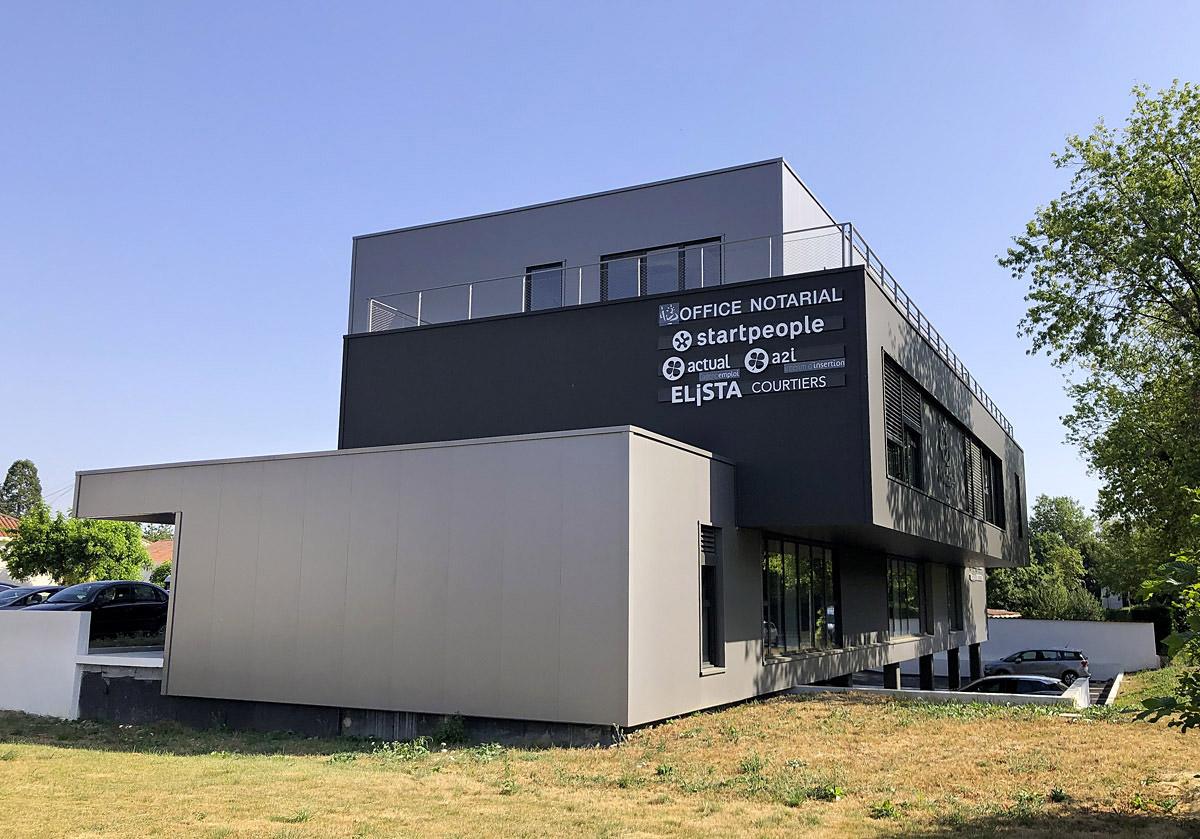 Espace co-working aux Herbiers réalisé par DGA Architectes