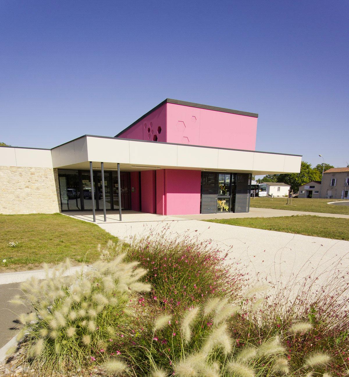 Façade périscolaire les Chateliers Chataumur - DGA Architectes