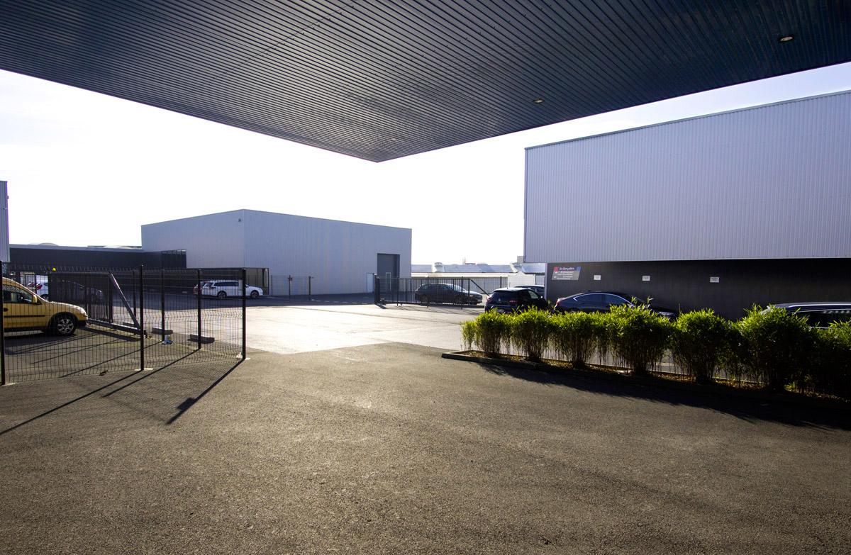 Bâtiment de négoce la Roche sur Yon créé par l'agence DGA Architectes