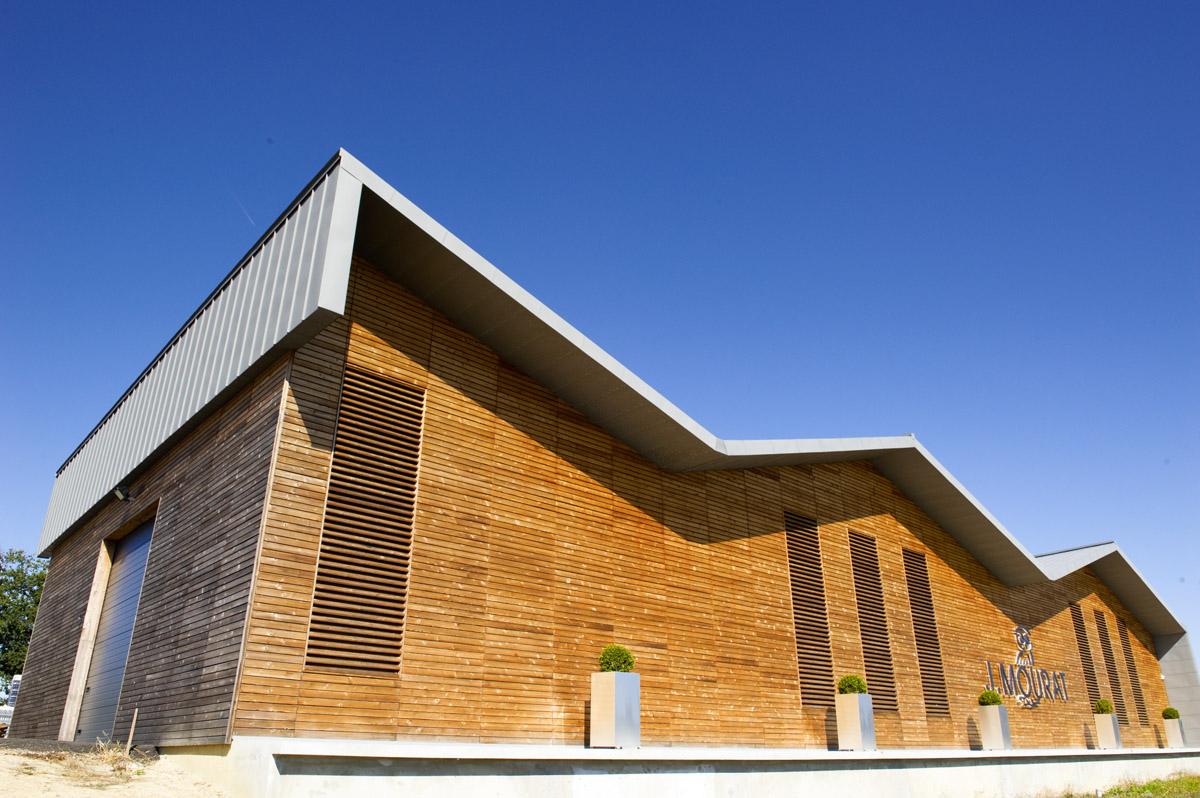 Construction de chais et de bureaux à Mareuil sur Lay Dissais par DGA Architectes