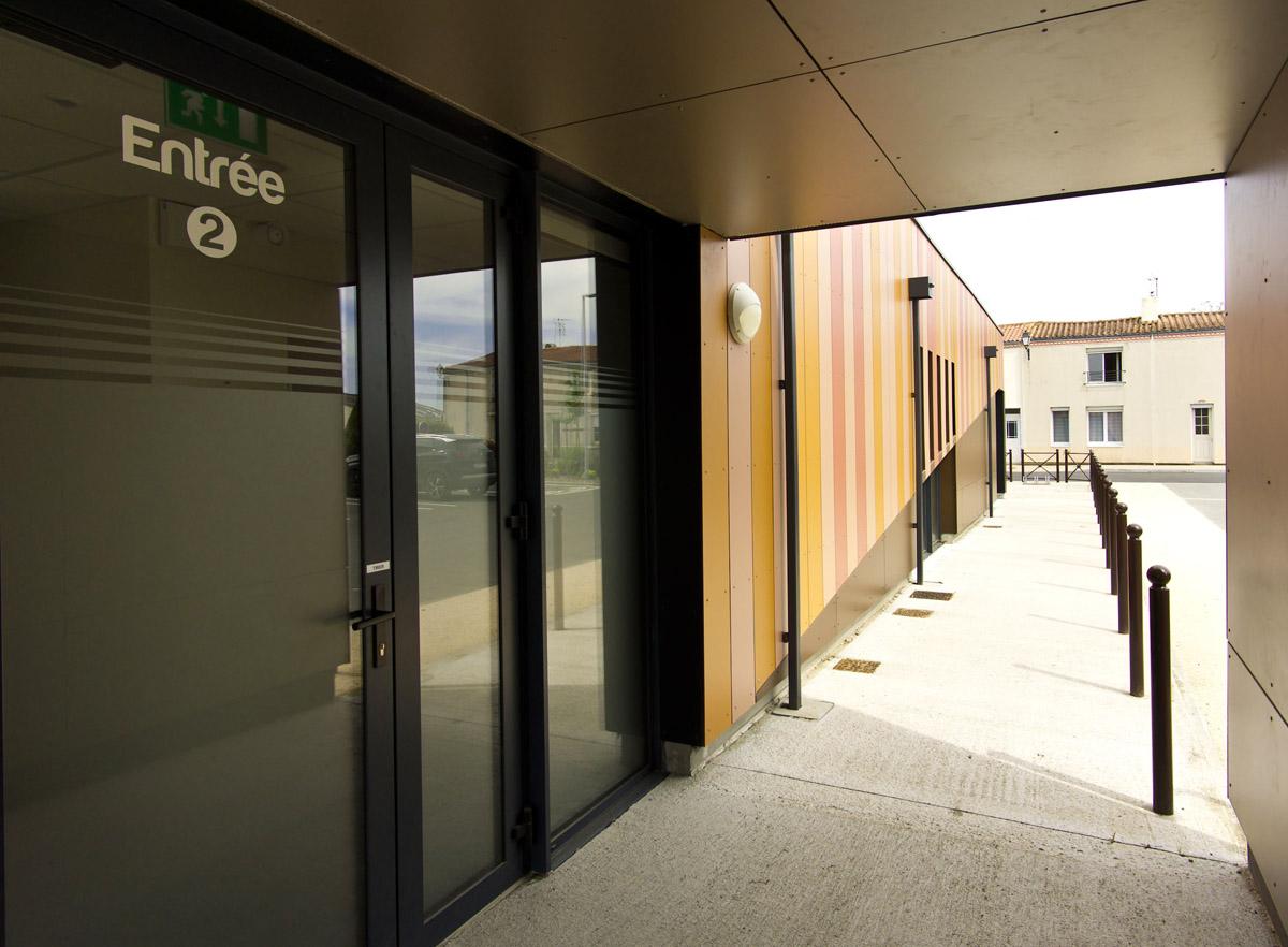 Entrée maison de santé au Landes Genusson - DGA Architectes