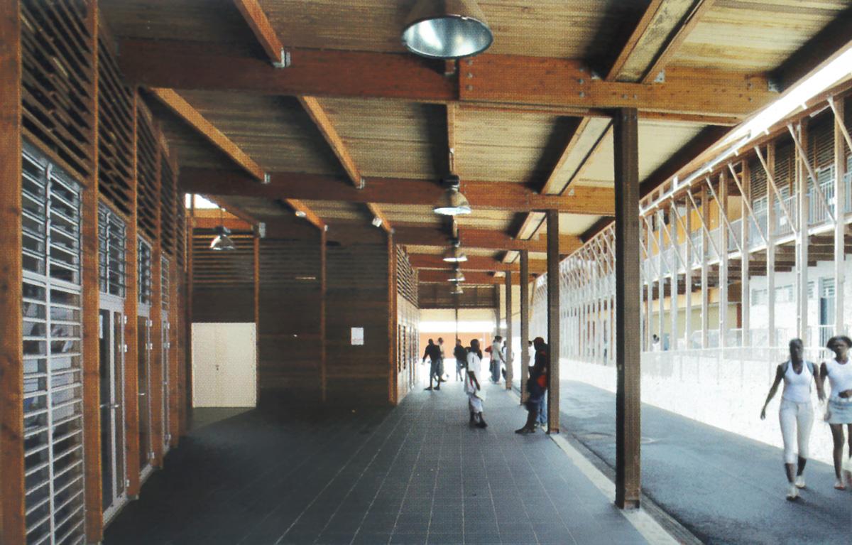 Lycée technique de Balata construit par l'agence DGA Architectes